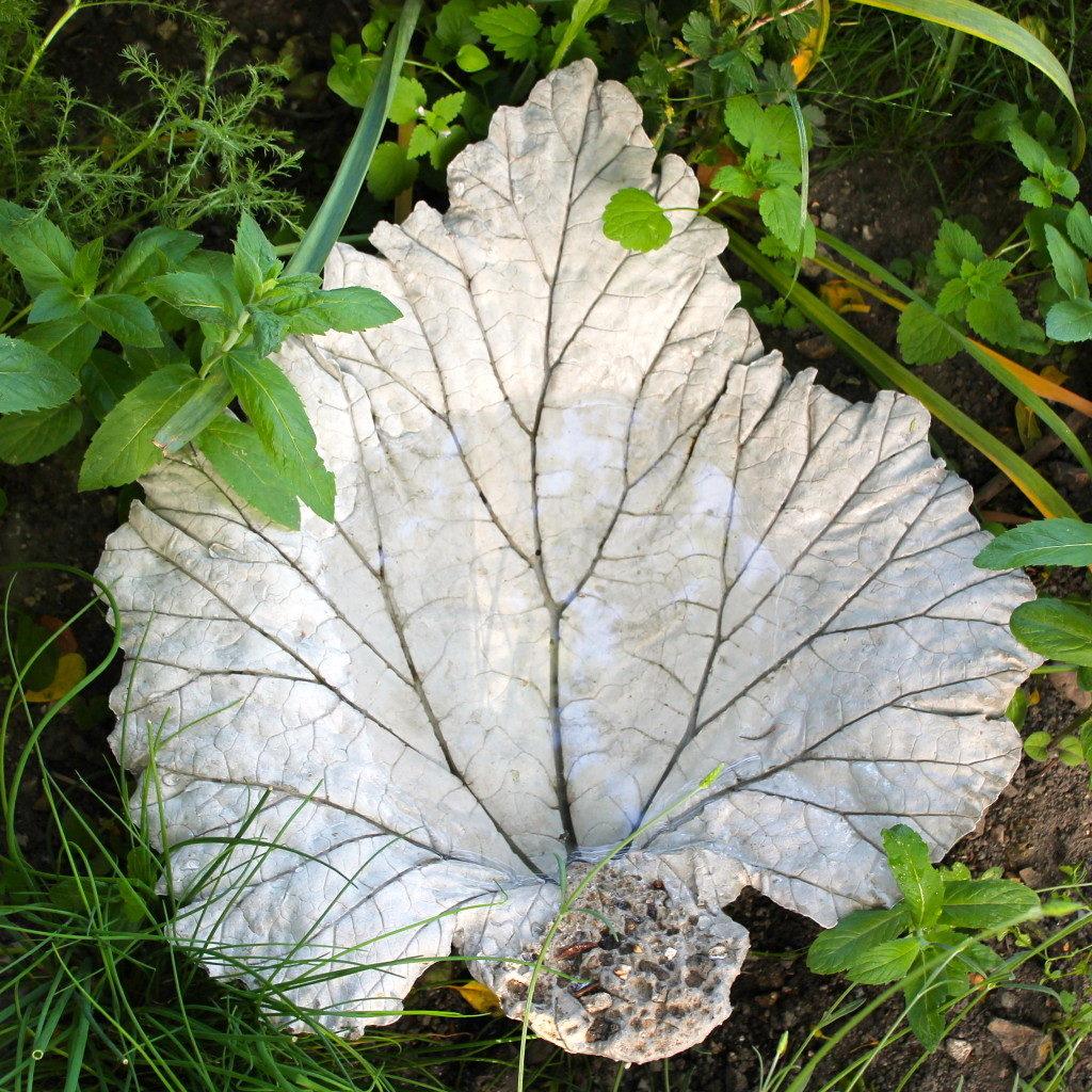 organic leaf birdbath