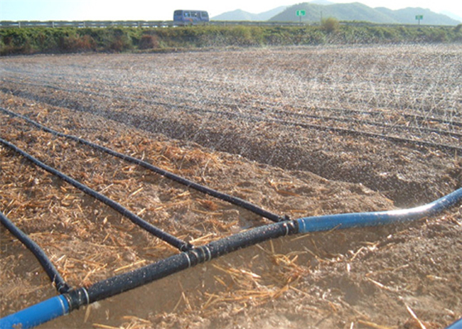 Drip-irrigation-belt-dropper-micro-spray-mist-pipe-belt-tee-connectors-water-saving-irrigation-suits